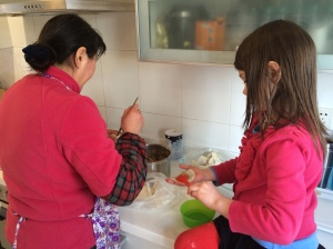 Our ayi taught my daughter how to prepare the jiaozi.
